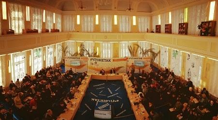 Круглый стол ОПРФ в Кирове: о людях надо заботиться, а не «навариваться» на них